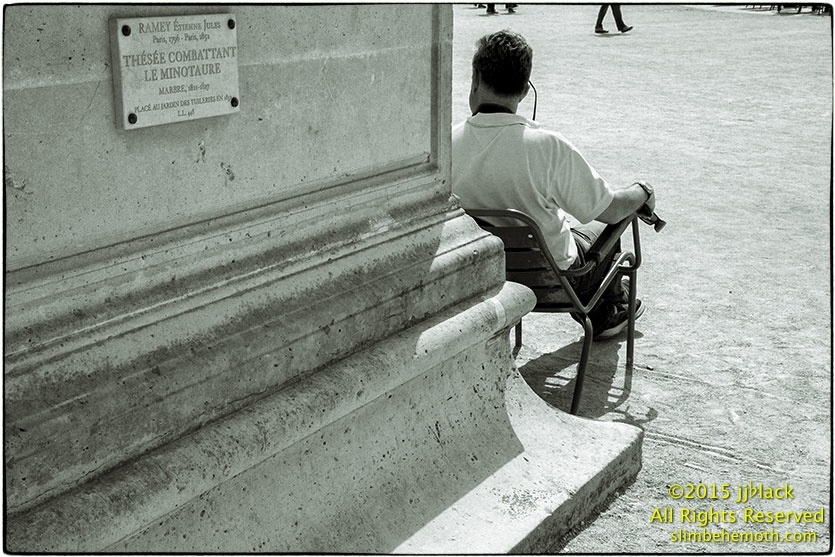 Art and Documentary Photography - Loading des_moments_de_paris_IMG_4809_0062.jpg