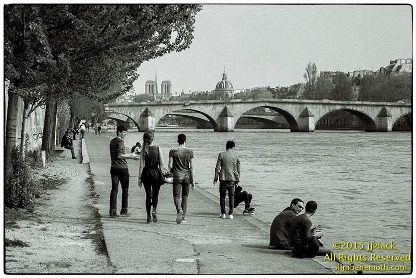 Art and Documentary Photography - Loading des_moments_de_paris_IMG_4873_0066.jpg