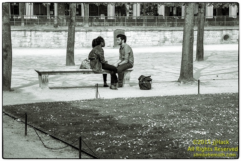 Art and Documentary Photography - Loading des_moments_de_paris_IMG_4875_0068.jpg
