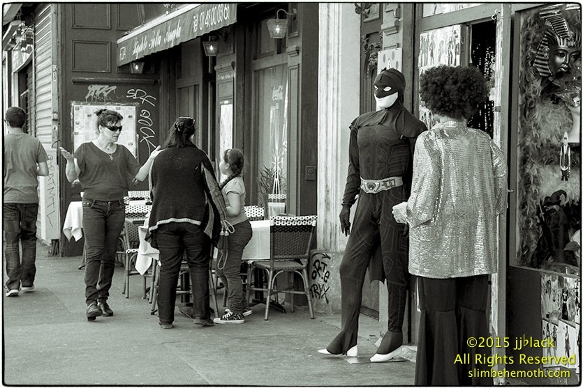 Art and Documentary Photography - Loading des_moments_de_paris_IMG_4883_0071.jpg
