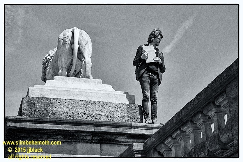 Art and Documentary Photography - Loading des_moments_de_paris_IMG_4964_0077.jpg