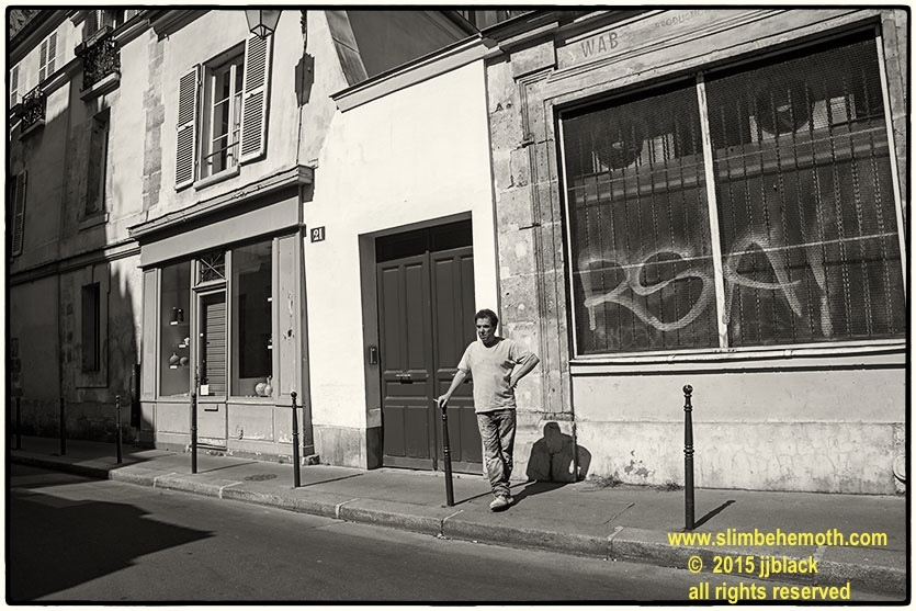 Art and Documentary Photography - Loading des_moments_de_paris_IMG_5020_0085.jpg