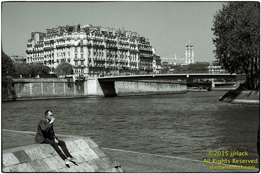 Art and Documentary Photography - Loading des_moments_de_paris_IMG_5036_0087.jpg