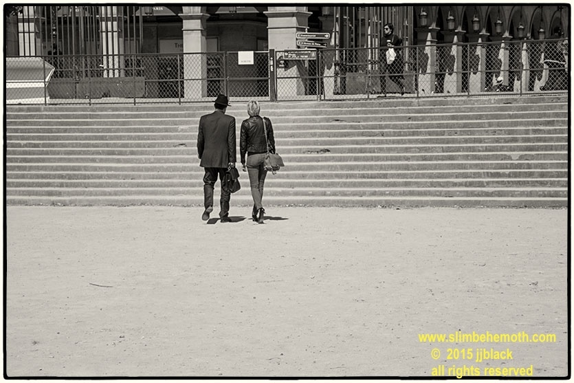 Art and Documentary Photography - Loading des_moments_de_paris_IMG_5095_0093.jpg