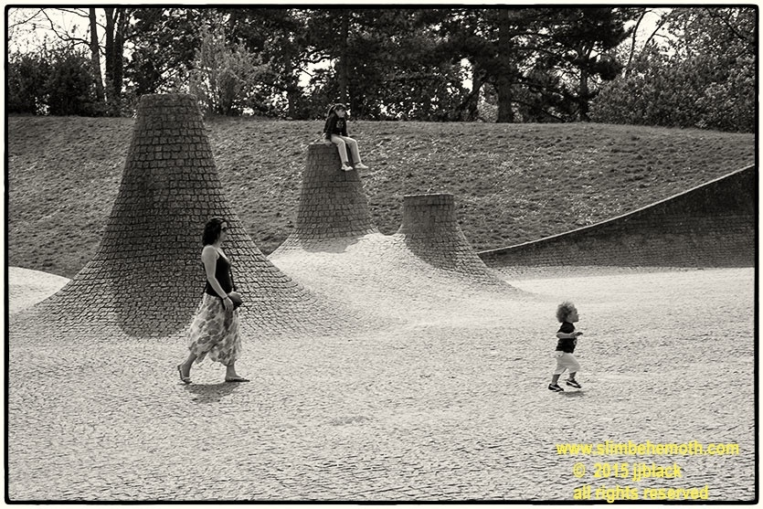 Art and Documentary Photography - Loading des_moments_de_paris_IMG_5158_0095.jpg