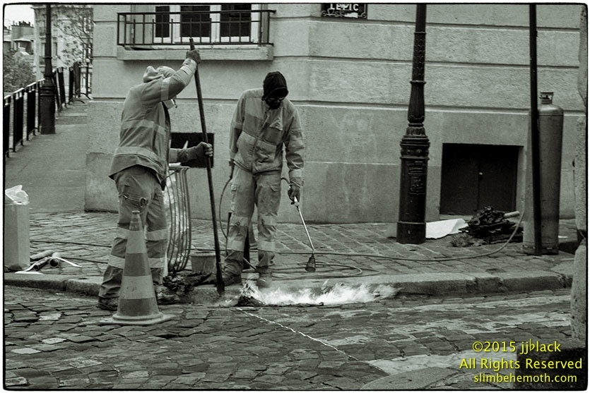 Art and Documentary Photography - Loading des_moments_de_paris_IMG_5415_0104.jpg