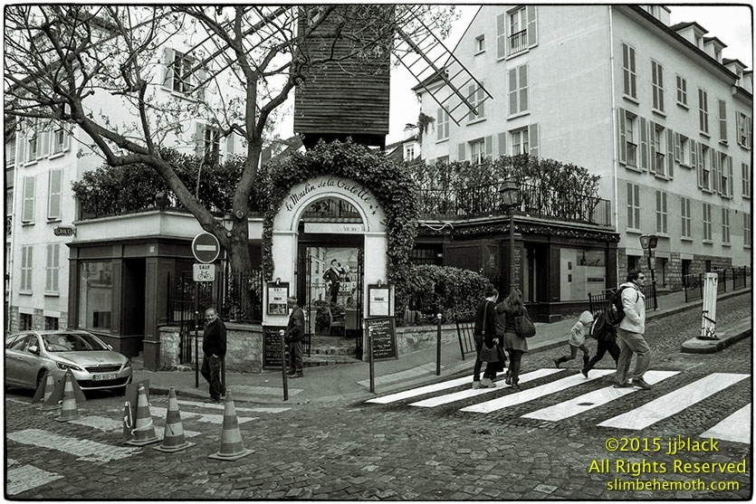 Art and Documentary Photography - Loading des_moments_de_paris_IMG_5417_0105.jpg