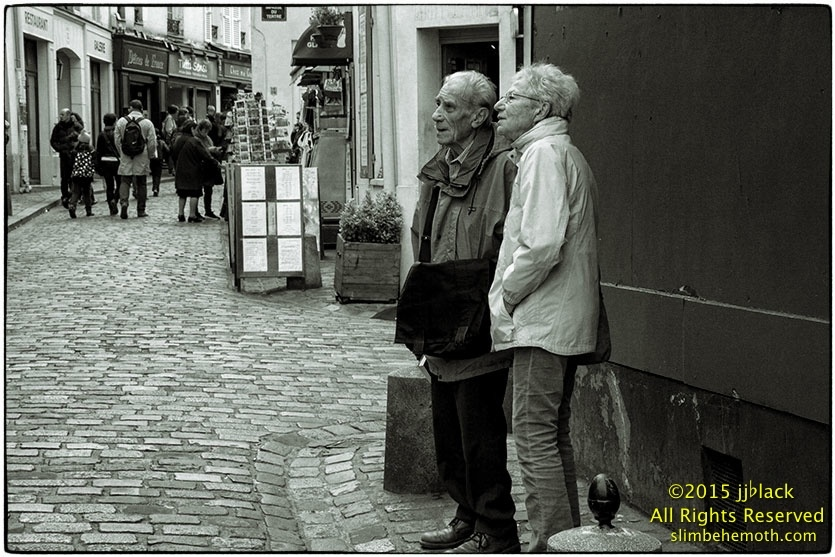 Art and Documentary Photography - Loading des_moments_de_paris_IMG_5435_0106.jpg