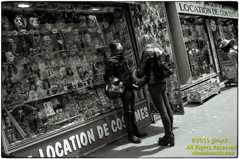 Art and Documentary Photography - Loading des_moments_de_paris_IMG_5557_0110.jpg