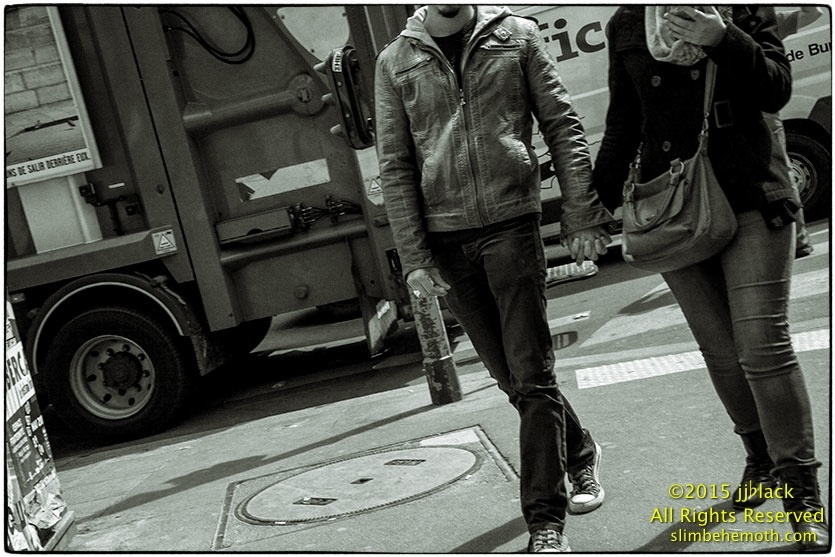 Art and Documentary Photography - Loading des_moments_de_paris_IMG_5559_0111.jpg