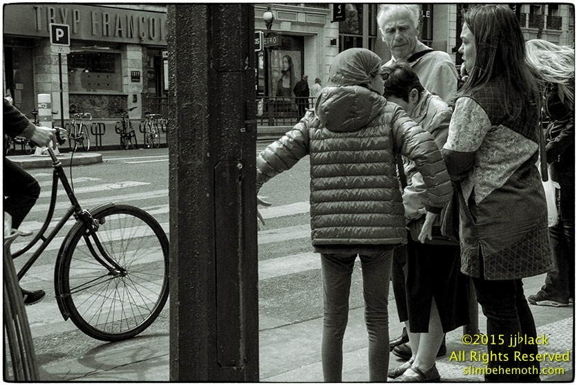 Art and Documentary Photography - Loading des_moments_de_paris_IMG_5560_0112.jpg