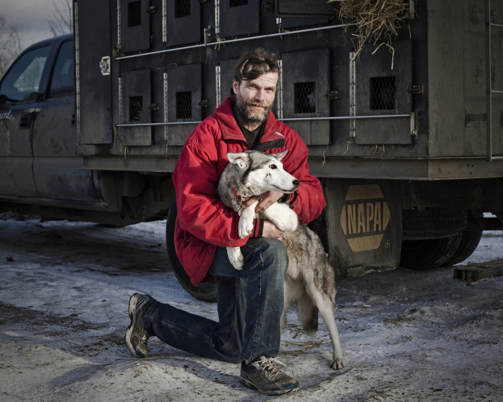 Art and Documentary Photography - Loading Mushers_006A.JPG