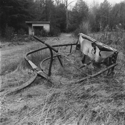 Art and Documentary Photography - Loading PInes_gondola_and_shack.jpg