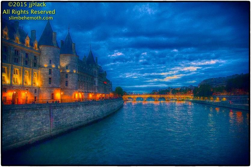Art and Documentary Photography - Loading parispostcards_059.jpg