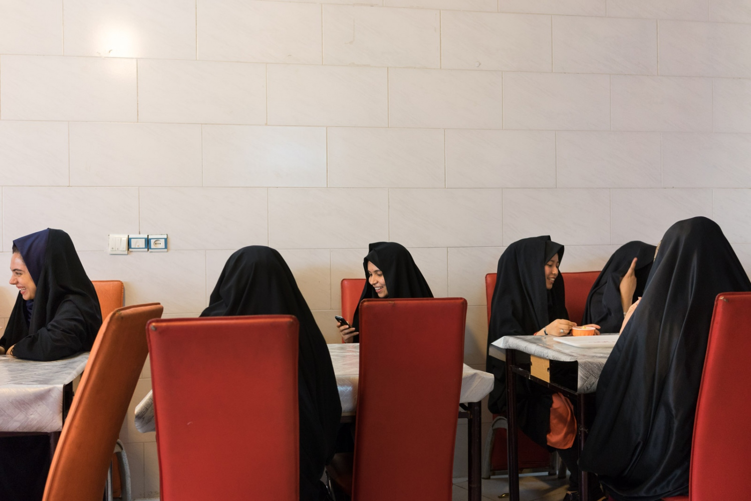 Art and Documentary Photography - Loading 016-iran_consumerism.jpg