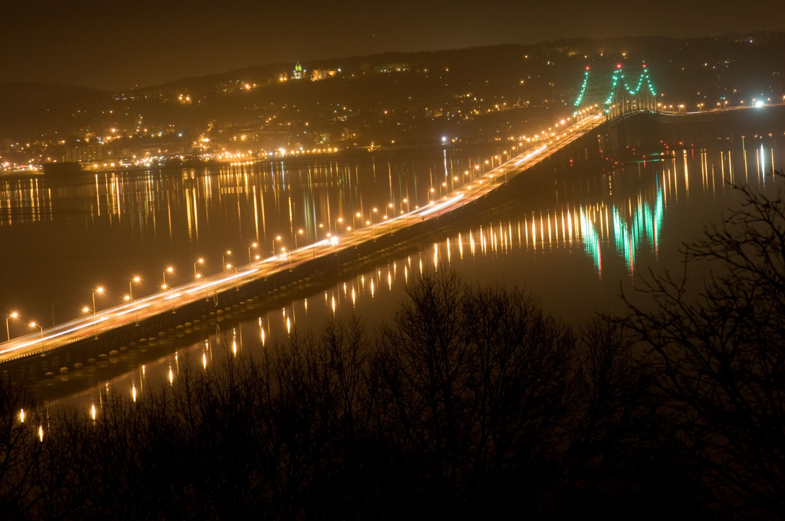 Art and Documentary Photography - Loading tappan-zee-bridge-at-night.jpg