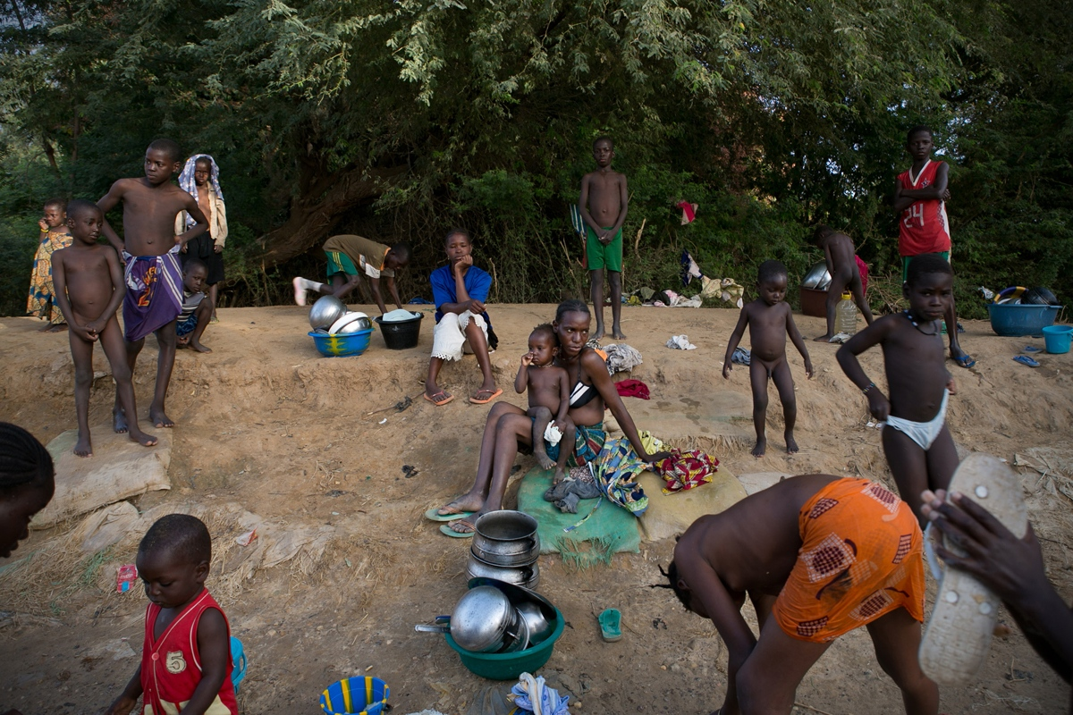 Art and Documentary Photography - Loading NYTportfolio_Mali_03.JPG