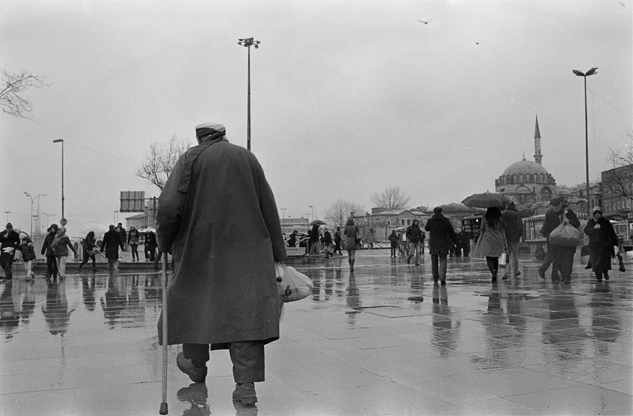 Art and Documentary Photography - Loading Istanbul_bw-5.jpg