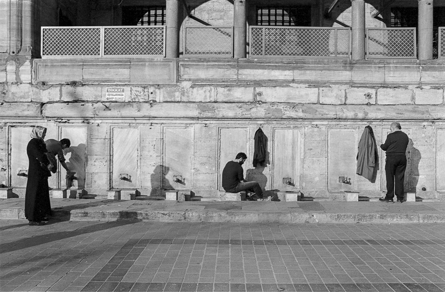 Art and Documentary Photography - Loading Istanbul_bw-18.jpg