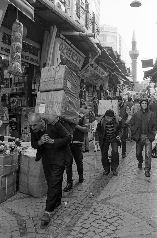 Art and Documentary Photography - Loading Istanbul_bw-24.jpg