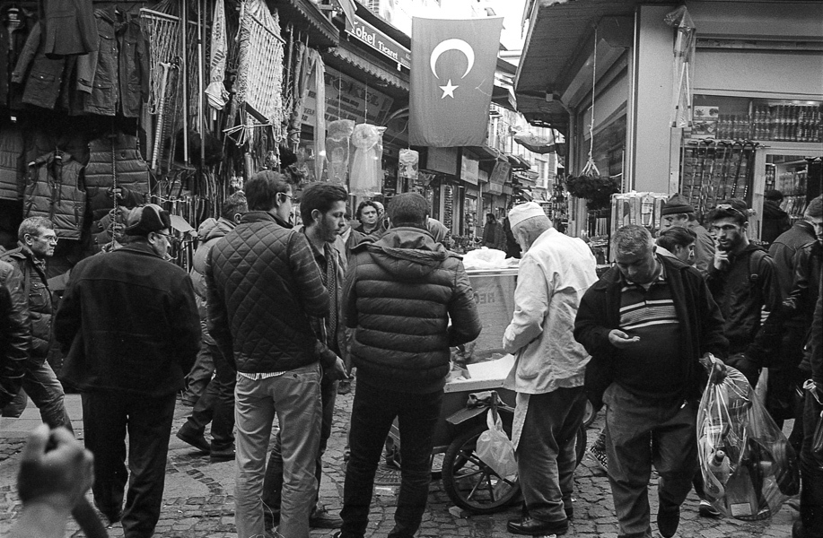 Art and Documentary Photography - Loading Istanbul_bw-25.jpg