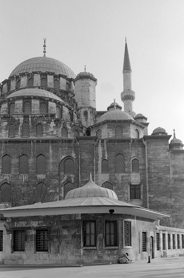 Art and Documentary Photography - Loading Istanbul_bw-11.jpg