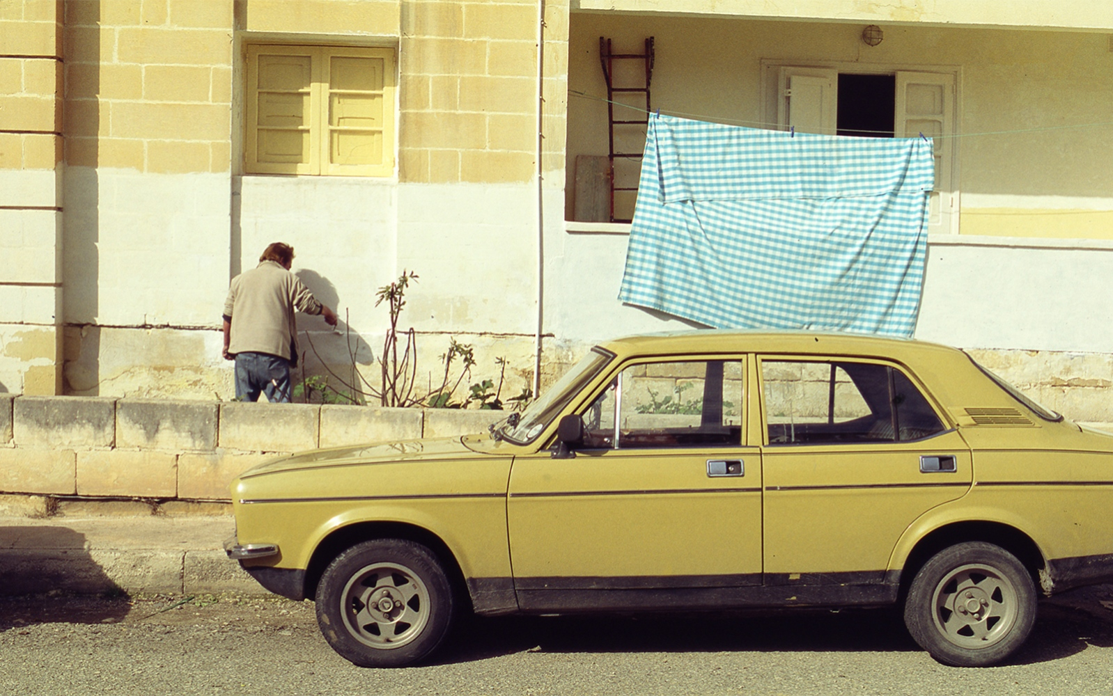 Art and Documentary Photography - Loading slide2011_a.jpg
