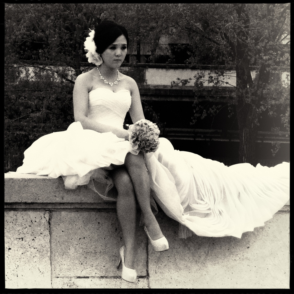 Art and Documentary Photography - Loading GETTING_MARRIED_IN_THE_PARIS_008.jpg