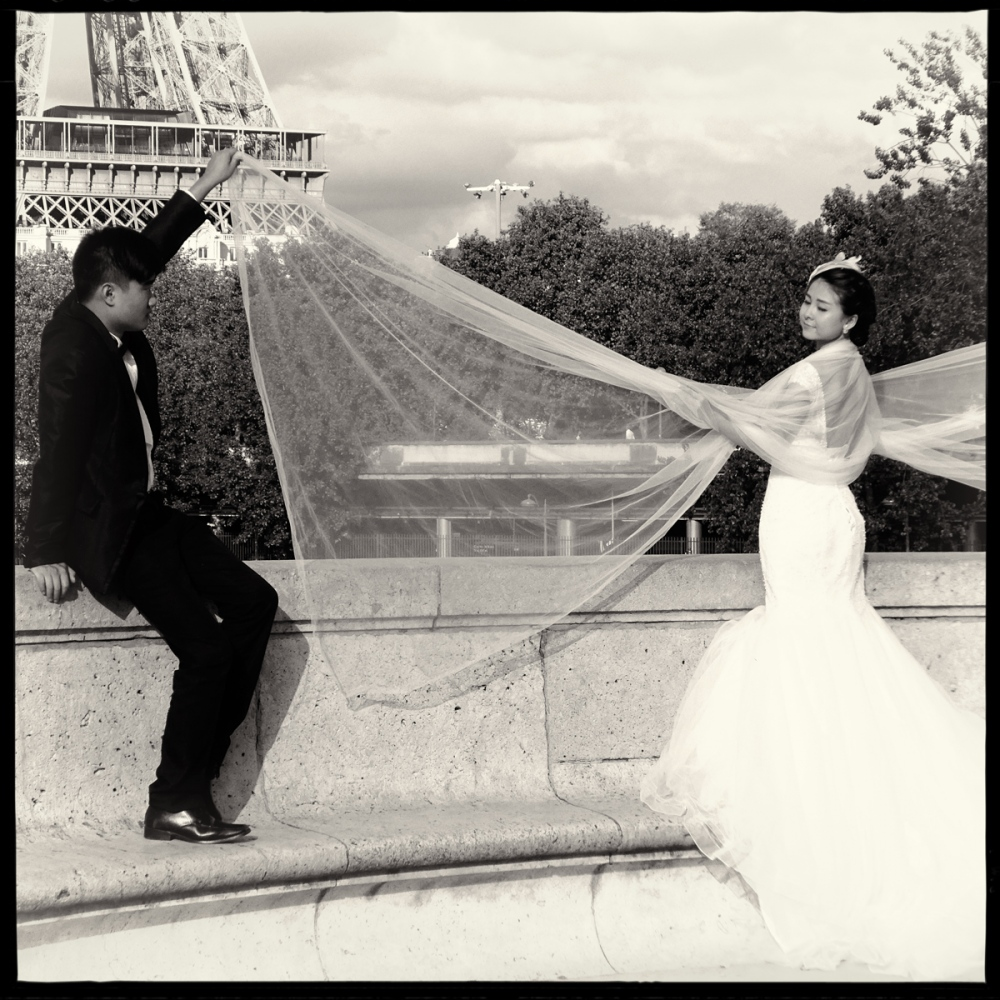 Art and Documentary Photography - Loading GETTING_MARRIED_IN_THE_PARIS_013.jpg