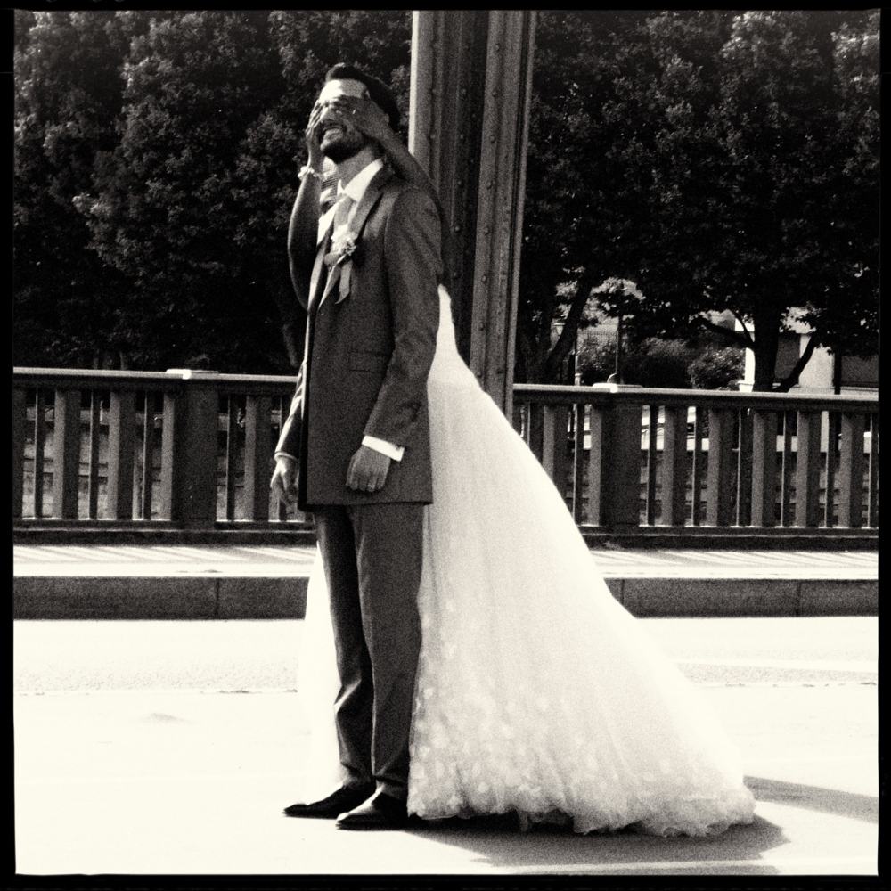 Art and Documentary Photography - Loading GETTING_MARRIED_IN_THE_PARIS_021.jpg