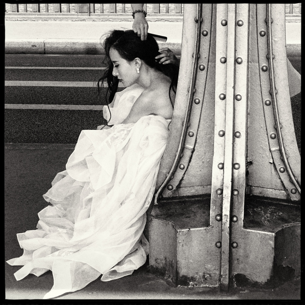 Art and Documentary Photography - Loading GETTING_MARRIED_IN_THE_PARIS_092.jpg