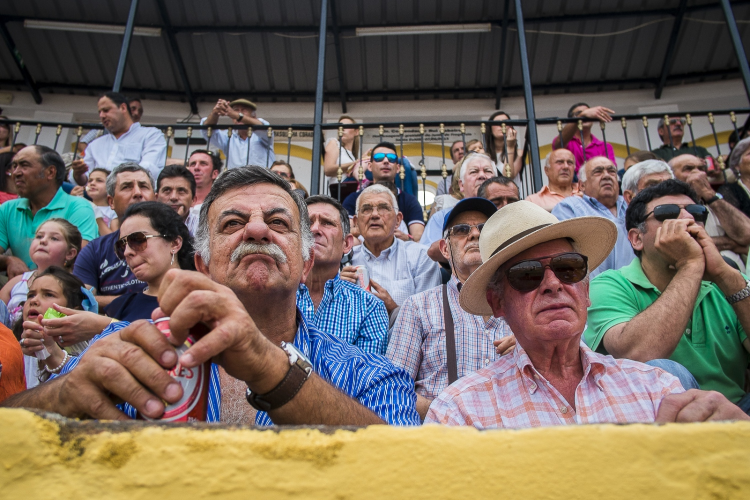 Crowd during the bullfight in Santa Eulália.