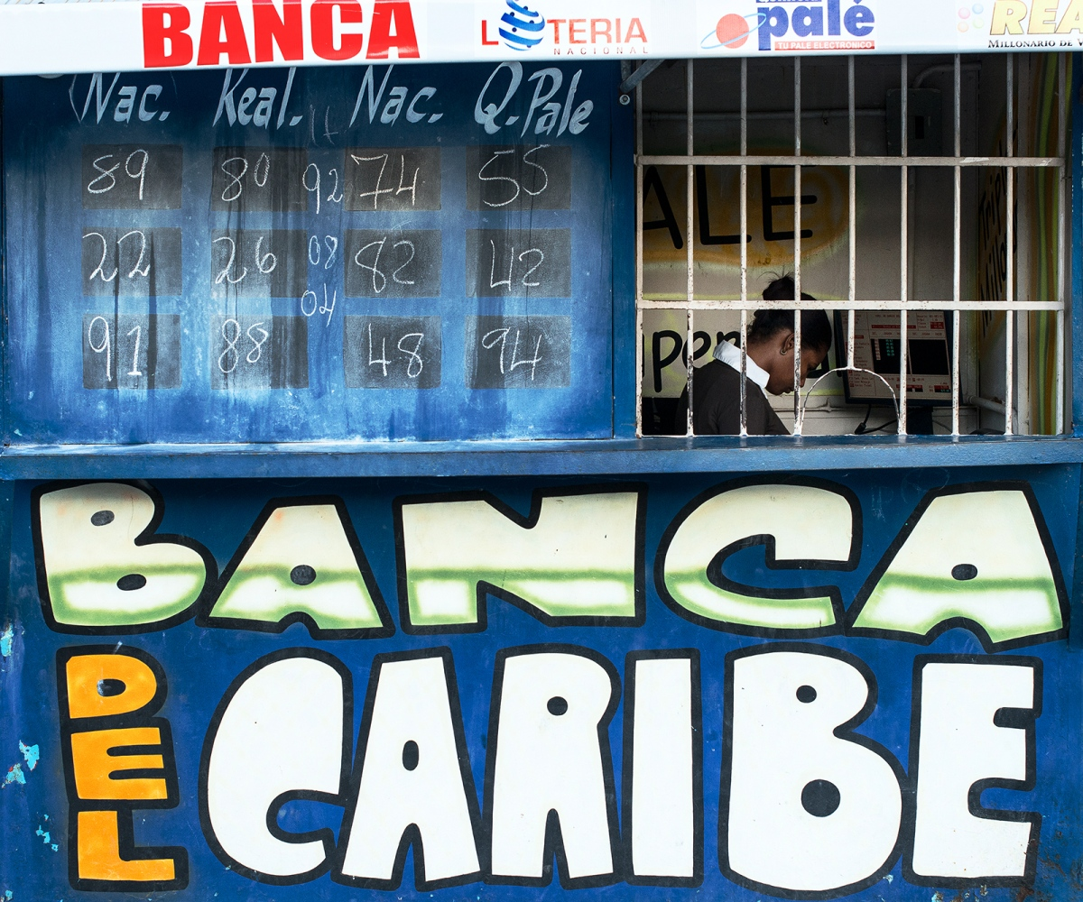 Art and Documentary Photography - Loading banco_del_caribe.jpg