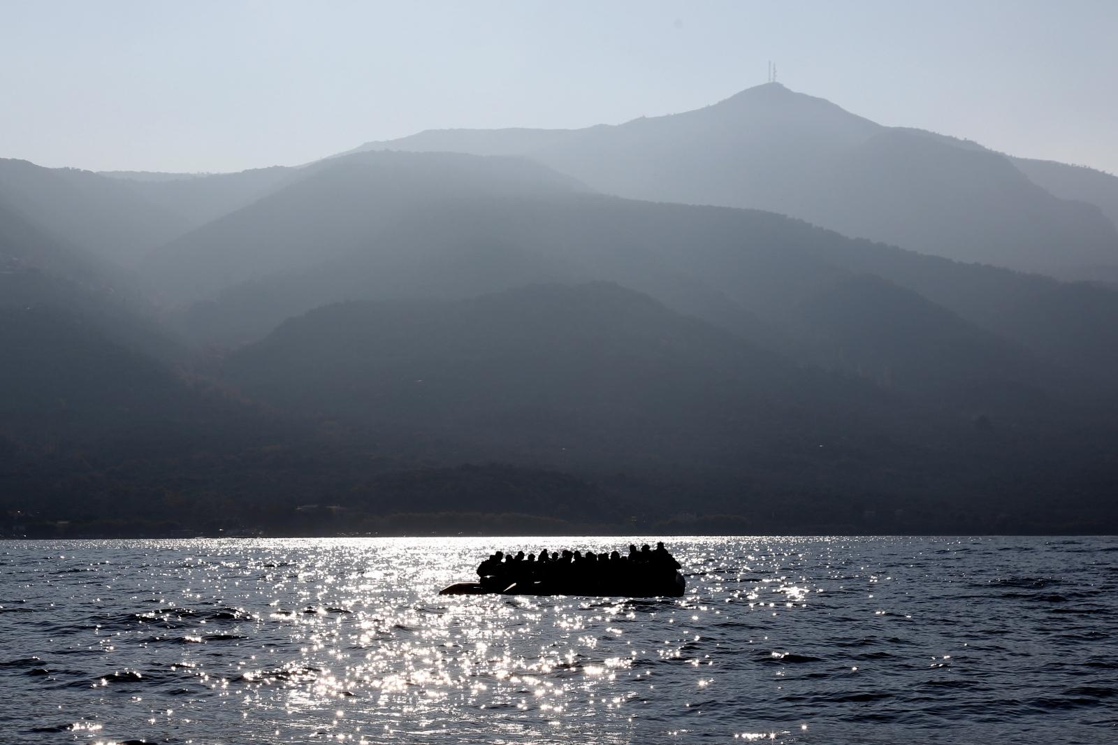 Art and Documentary Photography - Loading alexandros_katsis_lesbos_refuggies_16.jpg