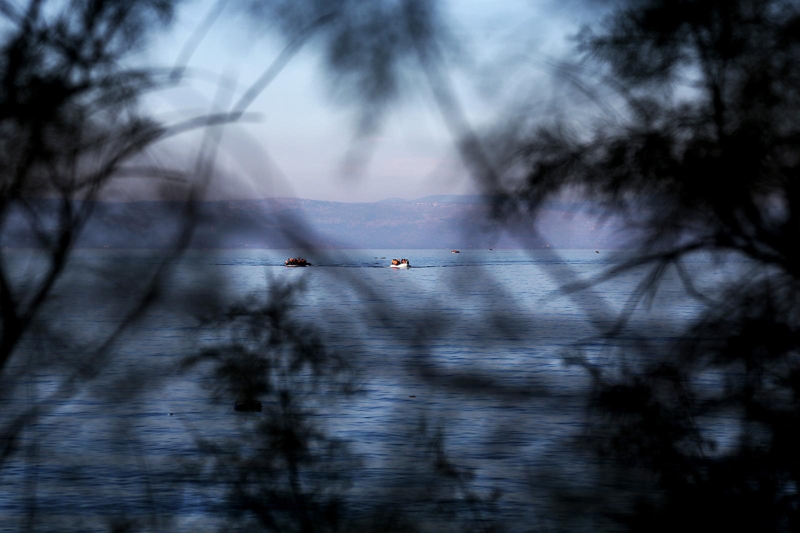 Art and Documentary Photography - Loading alexandros_katsis_lesbos_refuggies_30.jpg