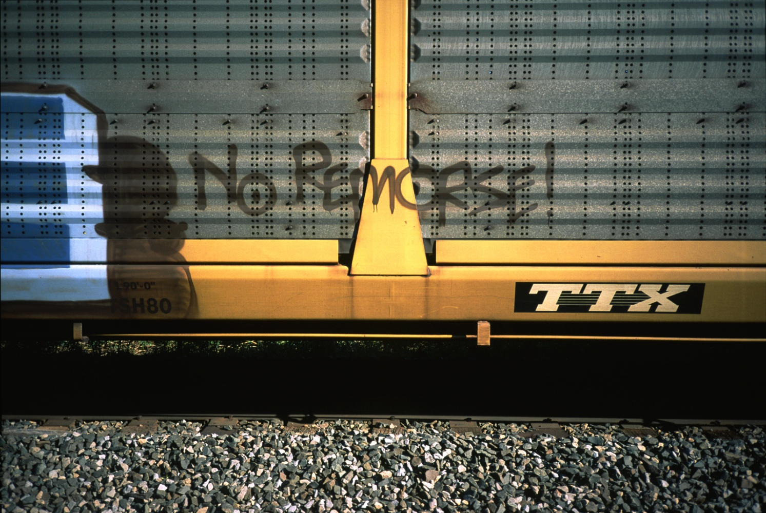 Art and Documentary Photography - Loading NoRemorse__sdeswaan.jpg