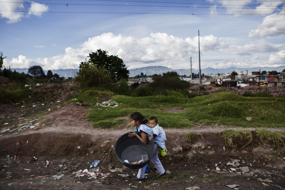 Art and Documentary Photography - Loading Childmigration_012.JPG
