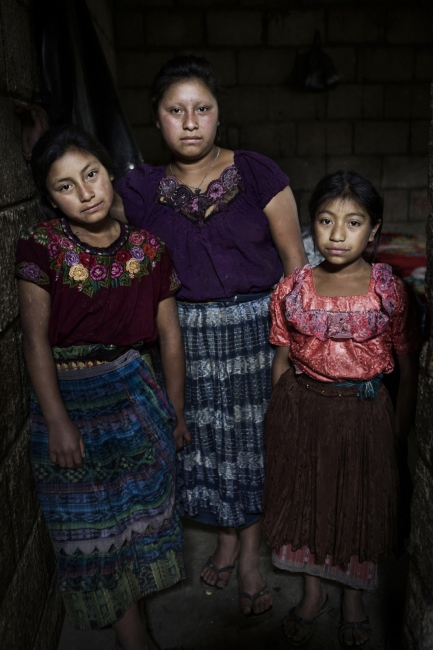 Art and Documentary Photography - Loading Childmigration_006.JPG
