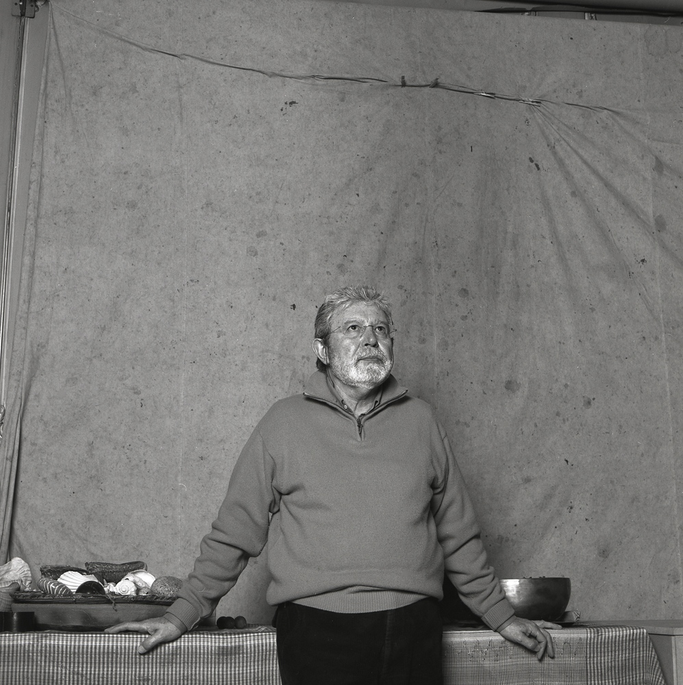 Toni Catany (Mallorca, 1942 - Barcelona, 2013), awarded in 2001. Self-taught, considered by Life magazine among the 100 best photographers in the world,through their images he reflects a particular sensitivity, a very personal aesthetic. The mastery of light and lyricis, his photographic composition make him truly a poet of images.