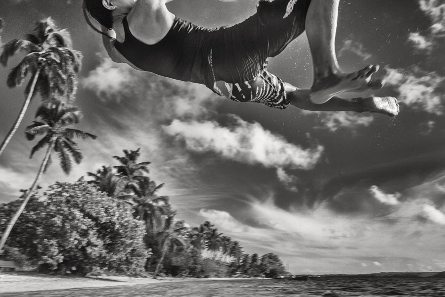 Art and Documentary Photography - Loading JavierDelgado_The-jump_Oceans.jpg
