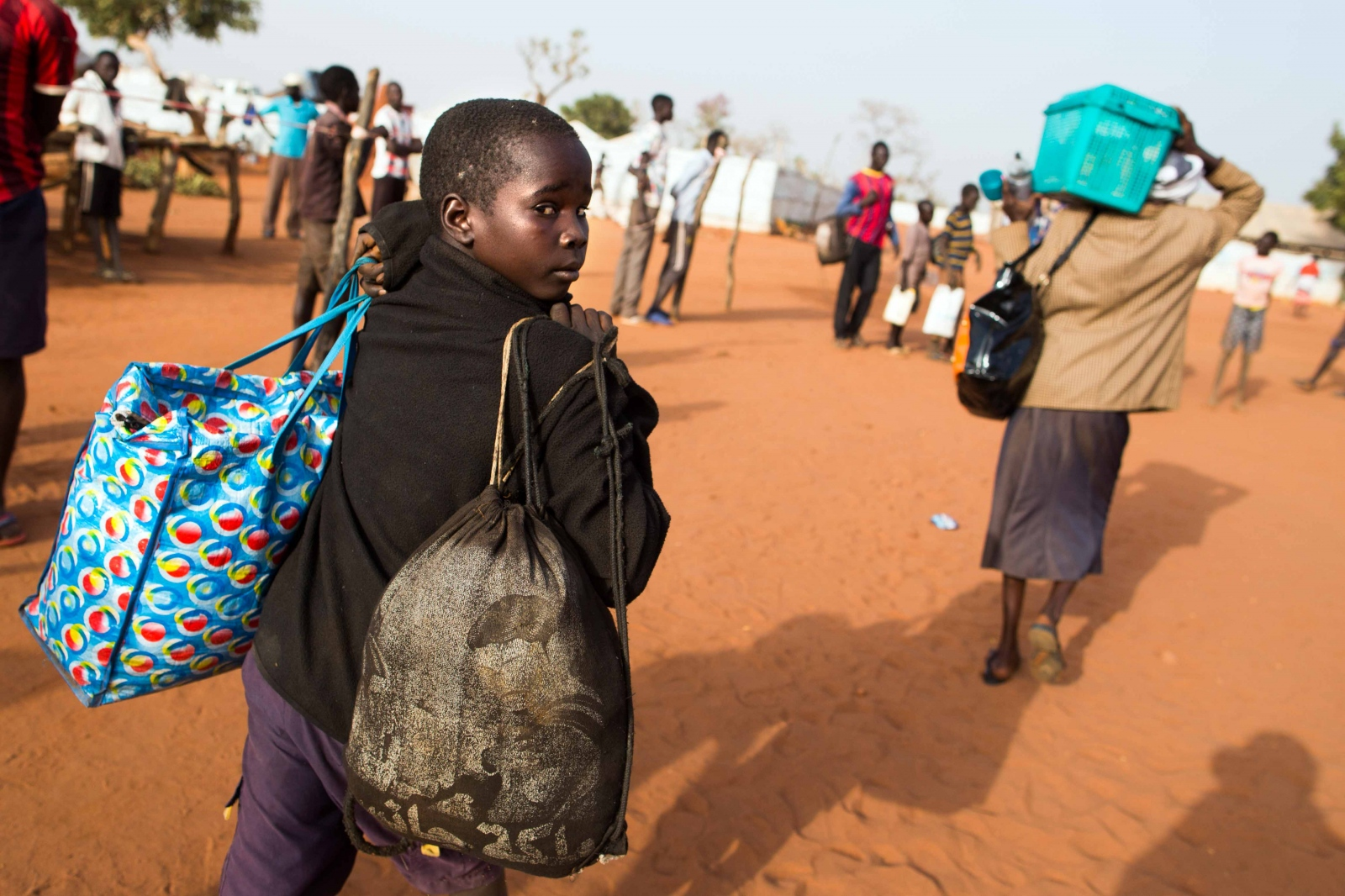 Art and Documentary Photography - Loading Refugees_06.JPG