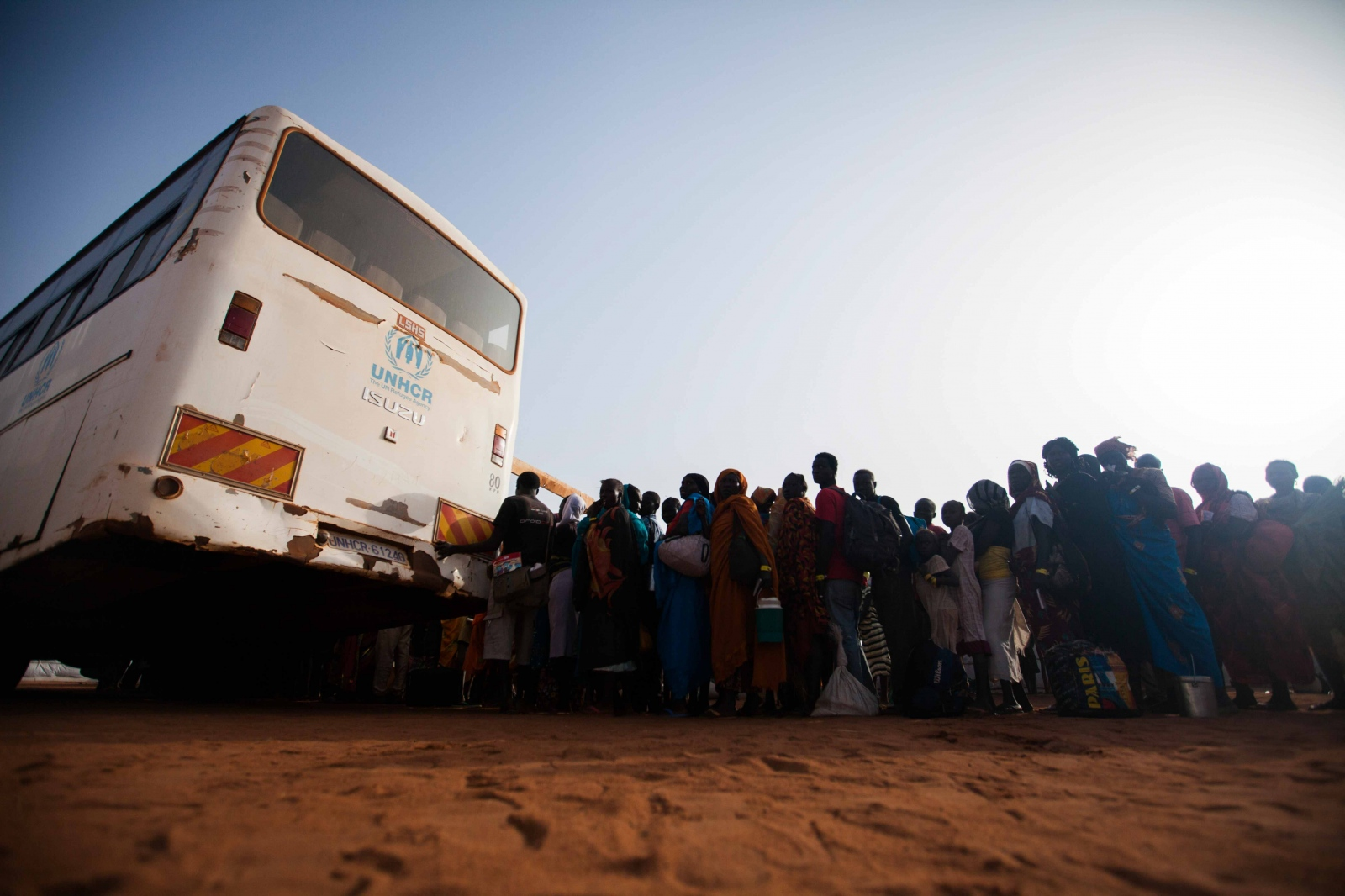 Art and Documentary Photography - Loading Refugees_09.JPG