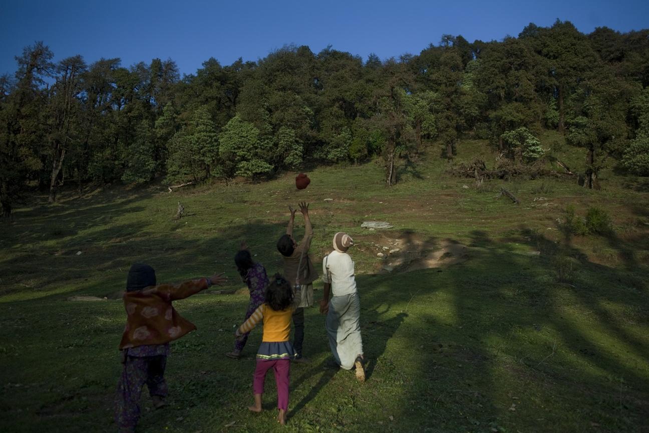 Art and Documentary Photography - Loading Nomads_(16).jpg