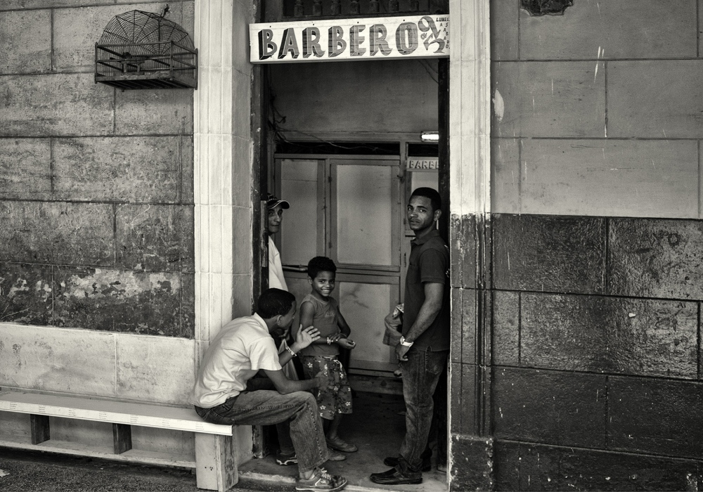 Art and Documentary Photography - Loading Cuba_10757_bw.jpg