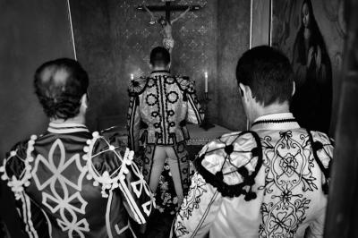 The matador Jose María Manzanares at prayer before entering the ring. Ronda.