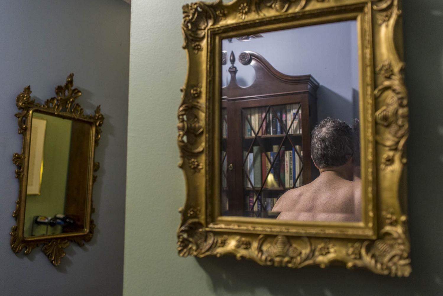 Art and Documentary Photography - Loading Joel_Mirror.jpg
