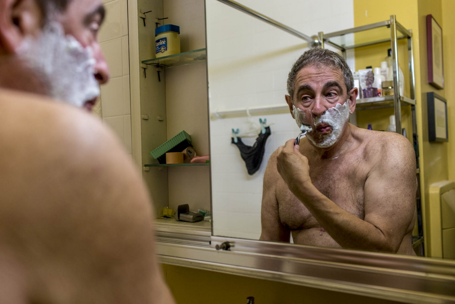 Art and Documentary Photography - Loading Joel_Shaving.jpg