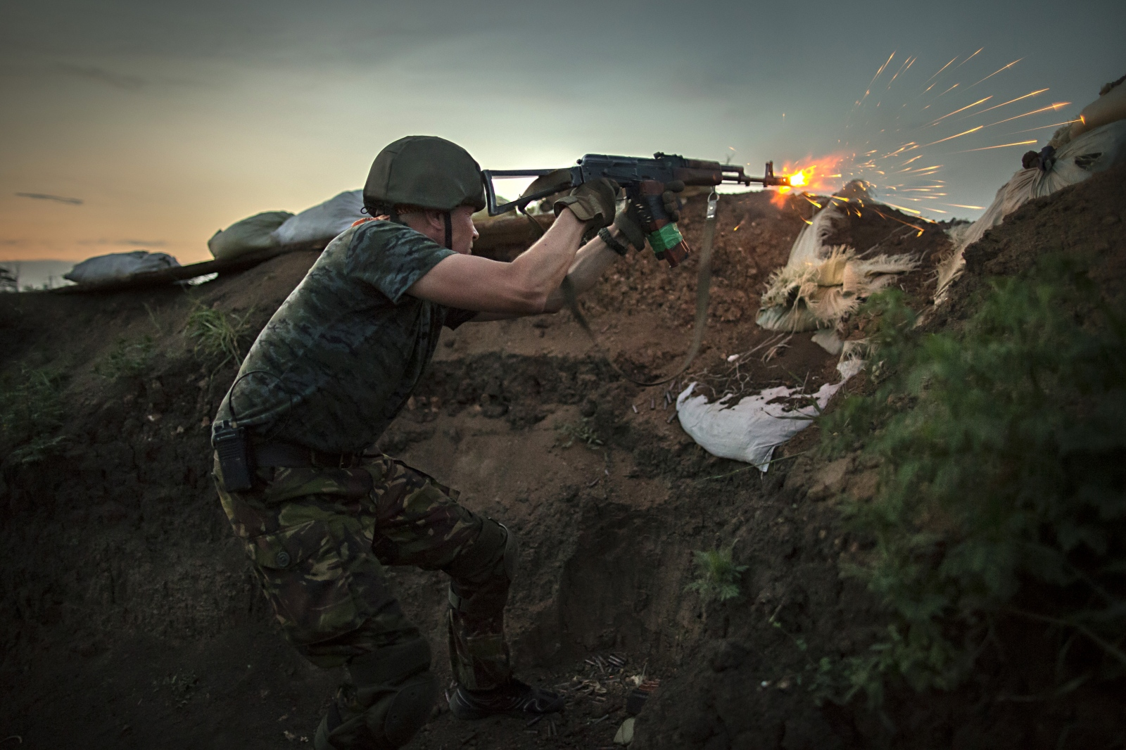 Art and Documentary Photography - Loading DmitriBeliakov-Ukraine_006.JPG