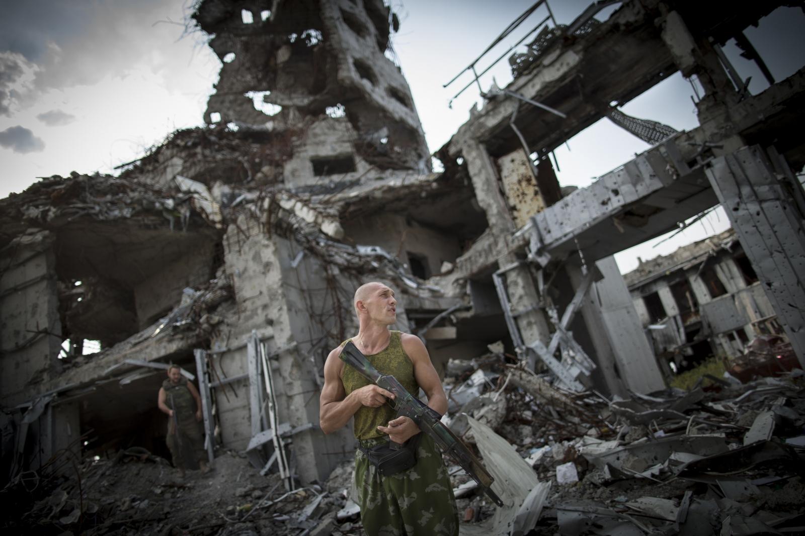 Art and Documentary Photography - Loading DmitriBeliakov-Ukraine_008.JPG