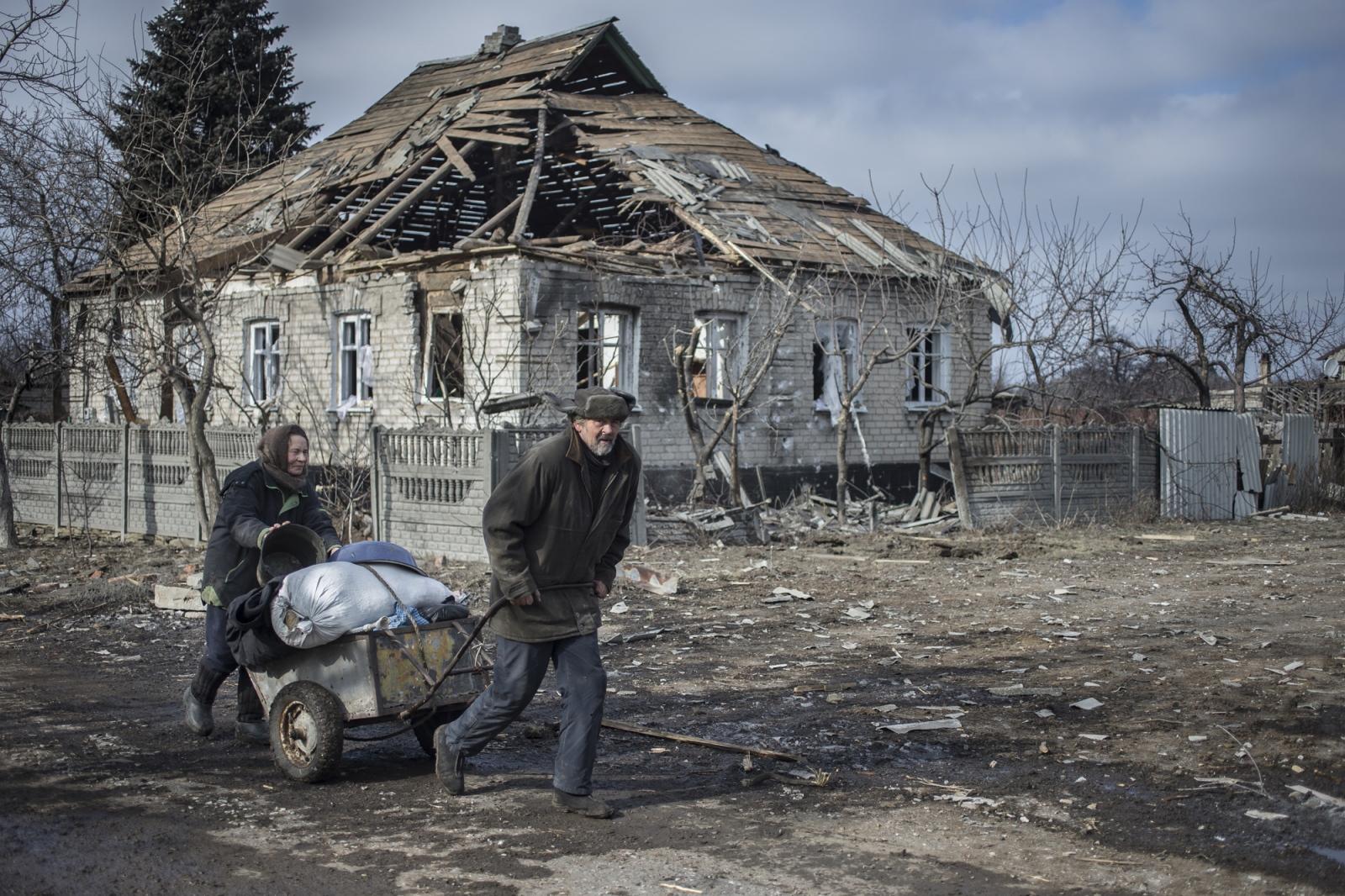 Art and Documentary Photography - Loading DmitriBeliakov-Ukraine_014.JPG